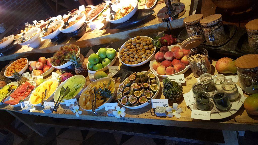 Buffet mit Früchten